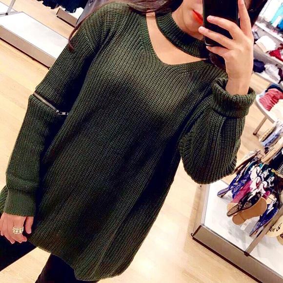 Sweaters - Green zipper sweater